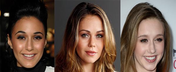 Emmanuelle Chriqui, Alexis Dziena y Taissa Farmiga relacionadas con el reparto del episodio VII