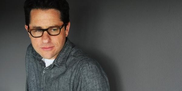 J.J. Abrams opina sobre la fecha de estreno y el papel de los droides